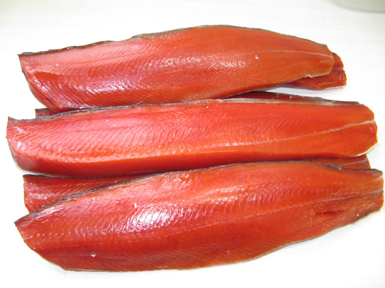 Власти в Приморье взяли торговцев рыбой за жабры